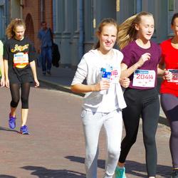 11th Danske Bank Vilnius Marathon - Liana Valentinovic (11609), Gabija Barbora-Ardzijauskaite (11610), Rita Puziene (12138)