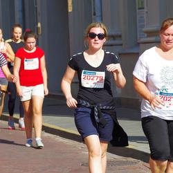 11th Danske Bank Vilnius Marathon - Katherine Lum (20277), Irma Brazaityte-Mehagnoul (20279)