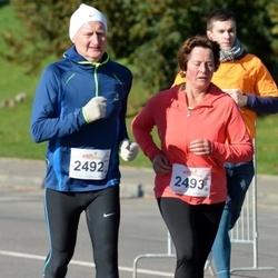 """Vilnius 10 km run, """"Run with Živilė Balčiūnaitė"""". - Vidas Kriščiūnas (2492), Nijolė Kriščiūnienė (2493)"""