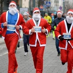 Perskindol kalėdinis bėgimas - Pijus Uogintas (2057), Augustas Kirdeikis (2140), Jonas Vadapalas (2203)