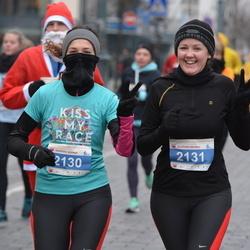 Perskindol kalėdinis bėgimas - Indre Kuiziniene (2130), Dalia Triponaite (2131)