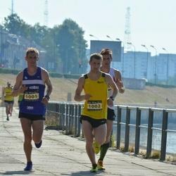 Kaunas Marathon - Remigijus Kancys (1001), Tomas Bizimavicius (1002)