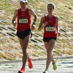 Kaunas Marathon - Agne Šukyte (1042), Remigijus Šnioka (1600)