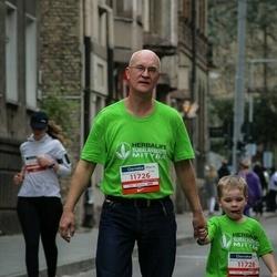 12th Danske Bank Vilnius Marathon - Žilvinas Jankus (11726), Gytis Jankus (11728)