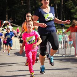 Nike Riga Run - Anna-Luīze Dombrovska (3042), Signe Dombrovska (3043)