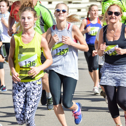Nike Riga Run - Ailenda Krivicka (136), Līva Trektere (1352)