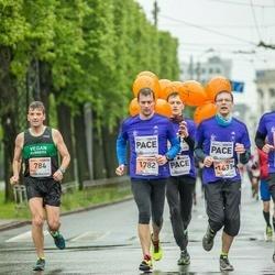 The 25th Lattelecom Riga marathon - Tim Brown (784), Gatis Kveders (1433), Rimants Liepiņš (1782)