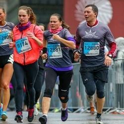 The 25th Lattelecom Riga marathon - Evelīna Grāvelsiņa (9174), Bruno Āriņš (12880), Diāna Arāja (12881)