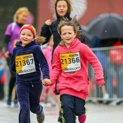 The 25th Lattelecom Riga marathon - Barbara Terēze Graudiņa (21366), Stefānija Dārta Graudiņa (21367)