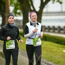 The 25th Lattelecom Riga marathon - Birgitte Holt (4264), Anne-Lise Heggland (4265)