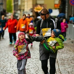 The 25th Lattelecom Riga marathon - Alise Boitmane (23600), Egils Boitmanis (23602), Jānis Boitmanis (23603)