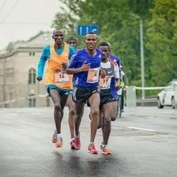 The 25th Lattelecom Riga marathon - Abraraw Misganaw Tegegne (4), Mariko Kiplagat Kipchumba (14), Beyene Effa Soboka (17)