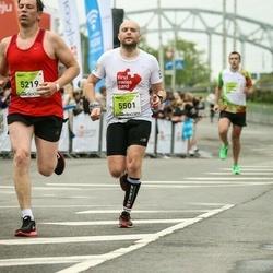 The 26th Lattelecom Riga Marathon - Gintars Dzirvinskis (5219), Deniss Priščepovs (5501)