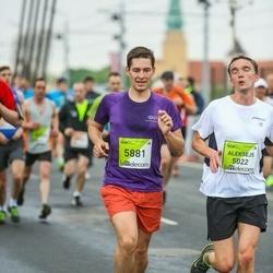 The 26th Lattelecom Riga Marathon - Aleksejs Jevdokimovs (5022), Alexander Oksenuk (5881)