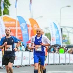 The 26th Lattelecom Riga Marathon - Laura Kazāka (199), Gianmario Galluzzi (921)