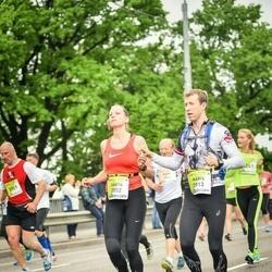 The 26th Lattelecom Riga Marathon - Dārta Riekstiņa (2852), Māris Čevers (3913)