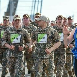 The 27th Lattelecom Riga Marathon - Rihards Mālnieks (6901), Aivars Brezinskis (6938)