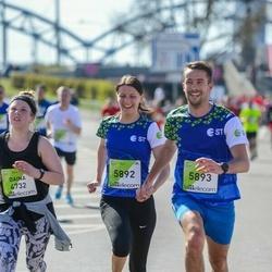 The 27th Lattelecom Riga Marathon - Iveta Eglija (5892), Mārtiņš Eglijs (5893)
