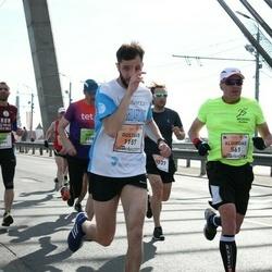 The 27th Lattelecom Riga Marathon - Algirdas Medeikis (561), Gustavs Gailītis (1157)