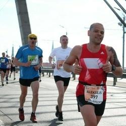 The 27th Lattelecom Riga Marathon - Aleksejs Belokopitovs (397), Leons Seškens (6172)