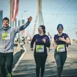 The 27th Lattelecom Riga Marathon - Eva Pāvulsone (6485), Agnese Gudre (6486), Ritvars Melnis (6487)