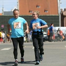 The 27th Lattelecom Riga Marathon - Esa Huttunen (215), Jaana Huttunen (309)