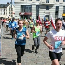 The 27th Lattelecom Riga Marathon - Jevgenija Marakujeva (9905), Adelīna Darviņa (10381)