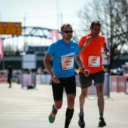 The 27th Lattelecom Riga Marathon - Franz Gaisberger (494), Urmas Volens (832)
