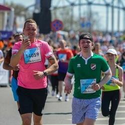The 27th Lattelecom Riga Marathon - Kristaps Rudzītis (8394), Artūrs Brūvelis (14059)