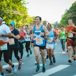 Lattelecom Riga Marathon - Katie Halliday (332), Feng Lai (1930), Marcis Skels (6770), Arvis Podnieks (7972)