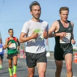 Lattelecom Riga Marathon - Alex Baxter (1327), Reinis Spaile (7747)