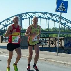 Lattelecom Riga Marathon - Jānis Actiņš (1948), Jonathan Burrell (3396)