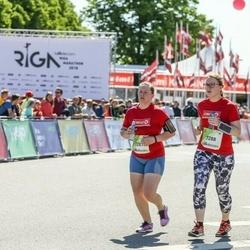 Lattelecom Riga Marathon - Evija Ratsepa (7287), Signe Līce (7288)