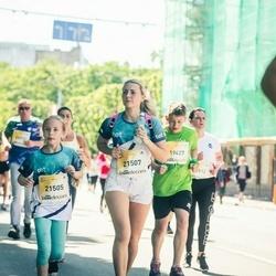 Lattelecom Riga Marathon - Enija Seimanova (21505), Jacinta Seimanova (21507)