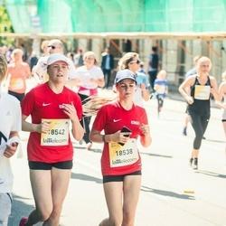 Lattelecom Riga Marathon - Alīsija Stūrīte (18538), Viviāna Stūrīte (18542)