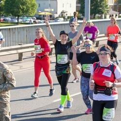 Lattelecom Riga Marathon - Agnese Uzrauga (6045), Anete Zvirbule (6046)