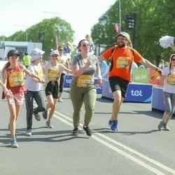 Tet Riga Marathon - Diana Lebedeva (19470), Zane Veitnere (25005), Līva Luīze Kriķe (25020), Anna Helēna Kriķe (25021), Irma Sīmansone (25042), Amēlija Virsnīte (25043)