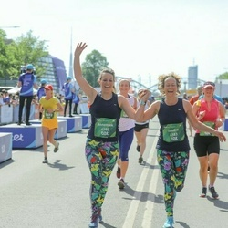 Tet Riga Marathon - Annemiek Noordam (4180), Sandra Nguema (4183)