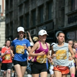 Tet Riga Marathon - Līga Saulīte (21141), Anna Laha (21691), Karīna Krauze (24527)