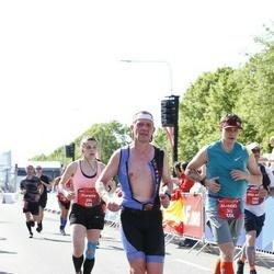 Tet Riga Marathon - Aliaksei Buyasau (342), Florence Weiss (394)