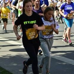 Tet Riga Marathon - Naomija Ščerbina (222), Agnese Razminoviča (22100)