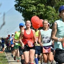 Tet Riga Marathon - Anita Fišere (1542), Sintija Langenfelde (2171)