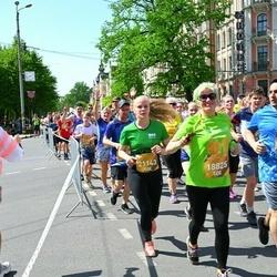 Tet Riga Marathon - Elvīra Adeleviča (18825), Anastasija Andrjuščenko (21143)