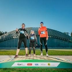 Trase Maratons Mežaparkā '21 - Ilona Jansone (115), Rasa Jansone (116), Karīna Pozņakova (122)