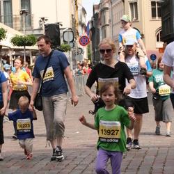 24. Nordea Riia maraton - Zane Bulkovska (13927), Ainārs Mačuks (16223), Kristaps Mačuks (16226)