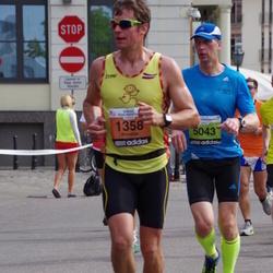 The 24th Nordea Riga marathon - Rimants Liepiņš (1358), Raimonds Soopargs (5043)