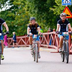 Cycling 45 km - Helen Åsved (5079), Matilda Johansson (5085)