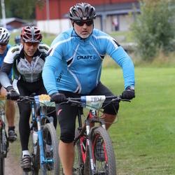 Cycling 95 km - Johan Ivarsson (9098), Erik Pettersson (12005)