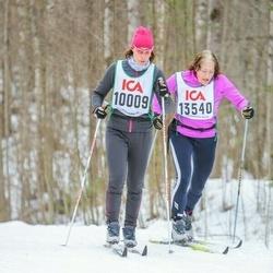 Skiing 30 km - Jessica Bergström Severin (10009), Eva Jonasson (13540)
