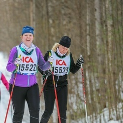 Skiing 30 km - Elin Augustsson (15522), Malin Augustsson (15523)